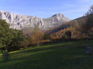 Montañas cerca de Urkiola