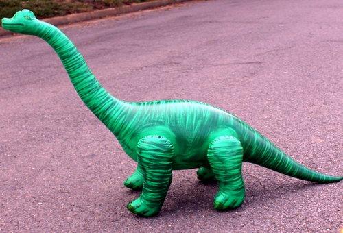 Braquiosaurio hinchable